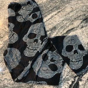 LuLaRoe OS Skull Leggings EUC